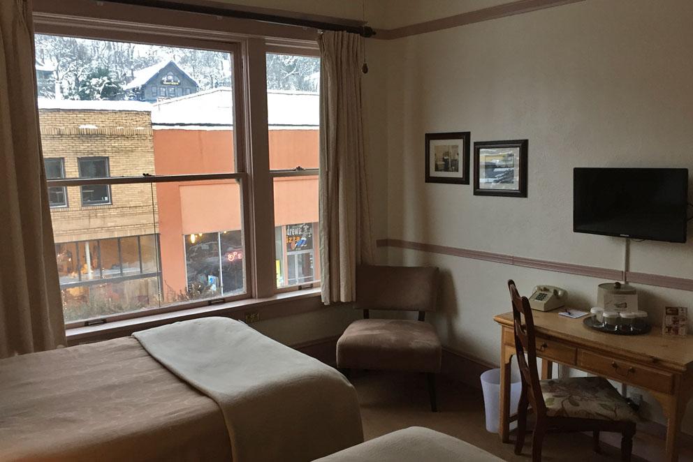 Hood River Hotel Room