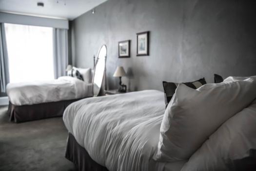 Hoor River Hotel, photo by Rachelle Hacmac @lilzestypdx